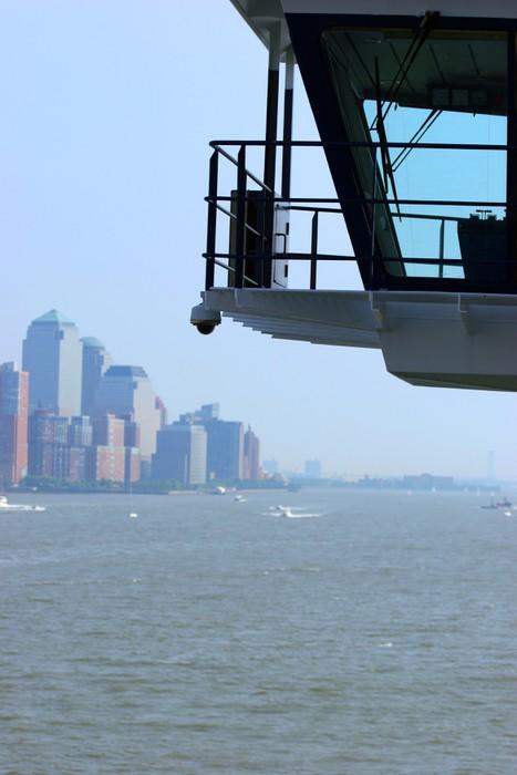 Vinylová Tapeta Budovy u vody z paluby výletní lodi - Americká města