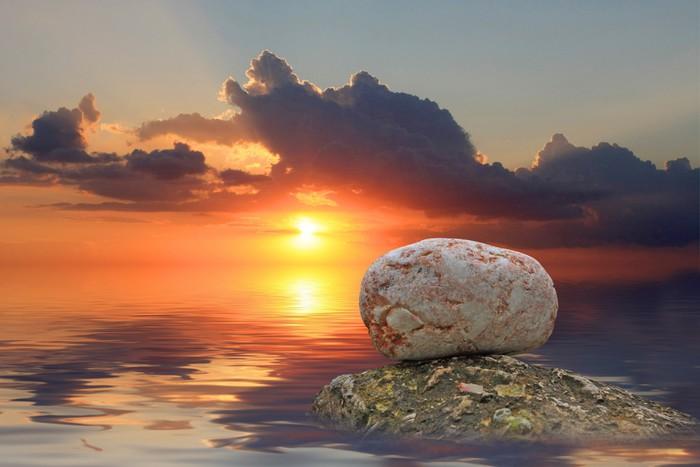 Vinylová Tapeta Kameny ve vodě na pozadí při západu slunce - Voda