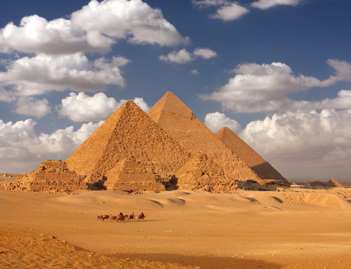 the great wall and egyptian pyramids essay Egypt research paper, the great pyramid and facts essay by thegarth2002, middle school  one of the most famous things about egypt is the great pyramids.