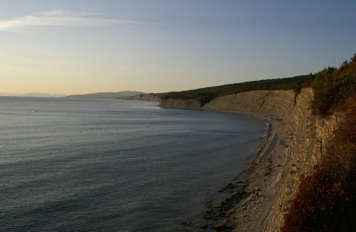 Papel de Parede em Vinil mountain beach - Montanhas