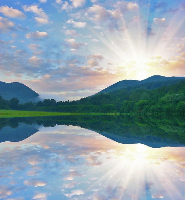 Vinylová Tapeta Světlý svítání v horách - Hory