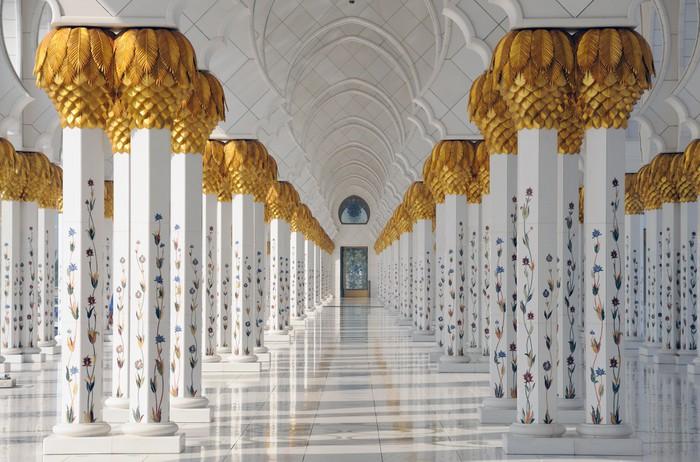 Wall Mural - Vinyl Sheikh Zayed Mosque in Abu Dhabi United Arab Emirates - Themes