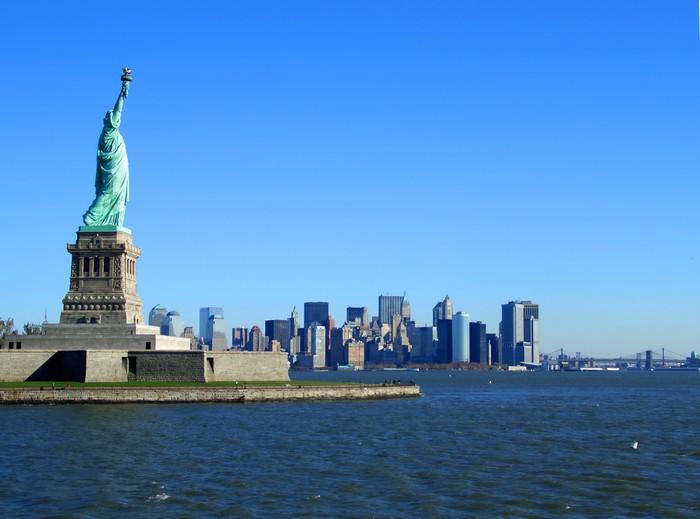 Vinylová Tapeta Socha svobody a dolním Manhattanu - Město