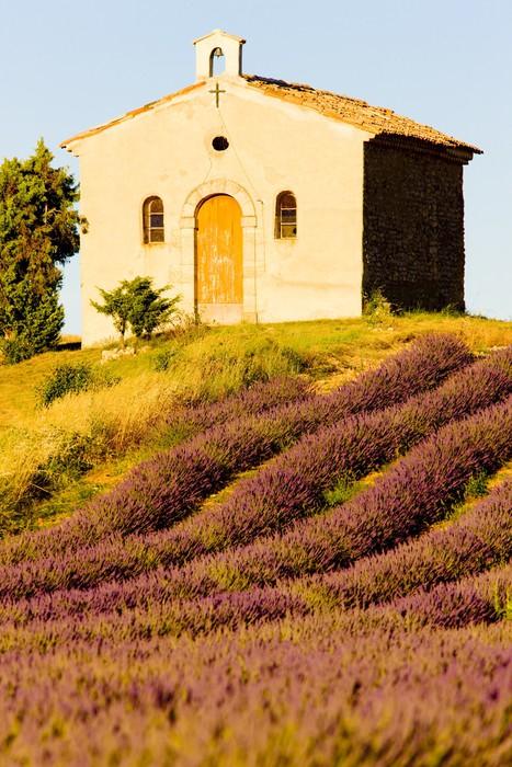 Vinylová Tapeta Kaple s levandulí pole, Valensole, Provence, Francie - Evropa