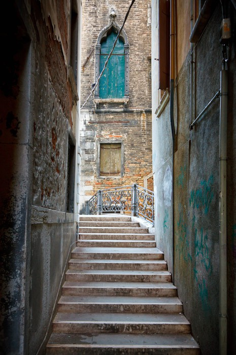 Narrow street in venice wall mural pixers we live to for Castorama mestre