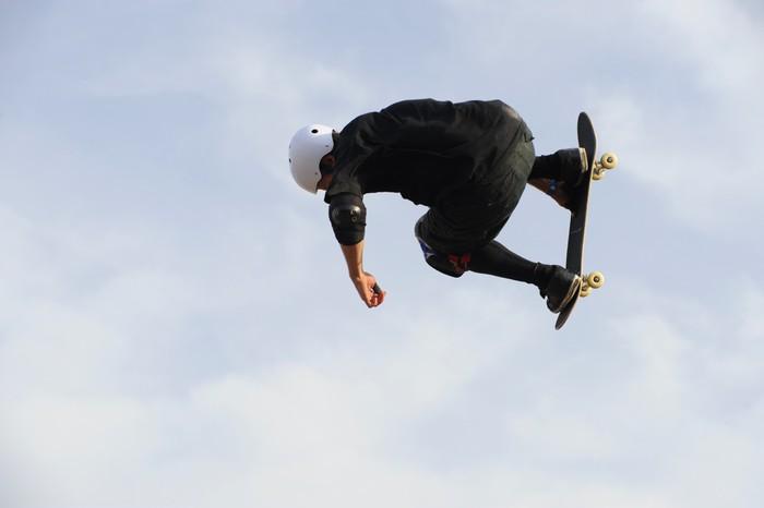 Vinylová Tapeta Skateboard esibizione - Individuální sporty