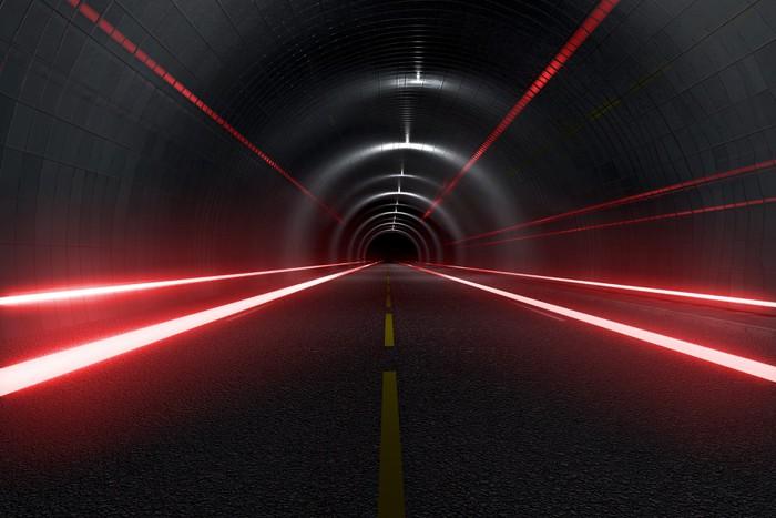 Vinylová Tapeta Tmavý tunel se světlem stezky střední zobrazení - Na cestě