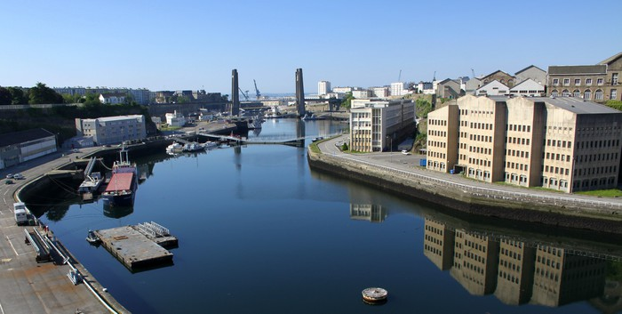 Vinylová Tapeta Arsenal de Brest et le pont de Recouvrance, Bretagne - Čas