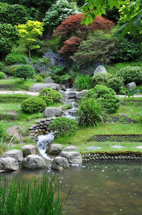Papier peint ruisseau artificiel dans un jardin japonais for Acheter jardin japonais