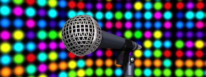 Vinylová Tapeta Mikrofony na pódiu - Značky a symboly