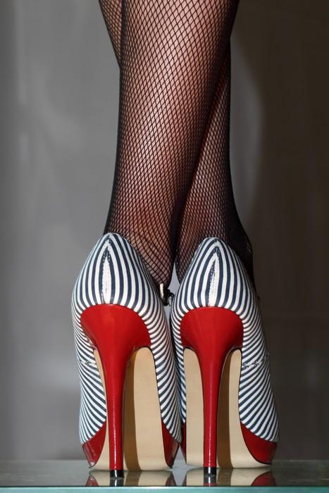 fototapete sexy frau in 5inch high heels pixers wir. Black Bedroom Furniture Sets. Home Design Ideas