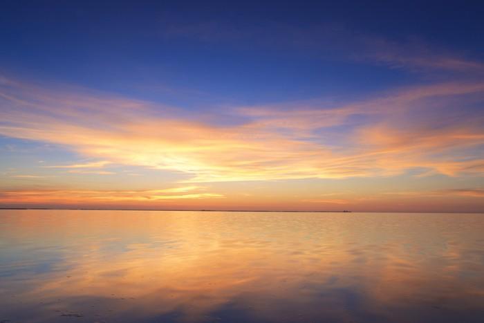 Vinylová Tapeta Krásné červené západ slunce nad oceánem - Nebe