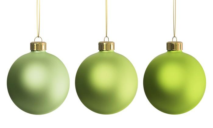 Vinylová Tapeta Vánoční dekorace tři zelené ozdoby - Mezinárodní svátky