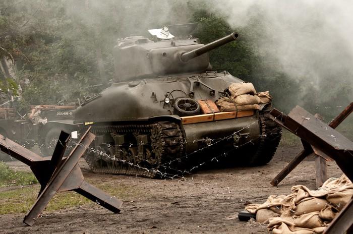 Nálepka Pixerstick Tank Sherman - WW II - Témata
