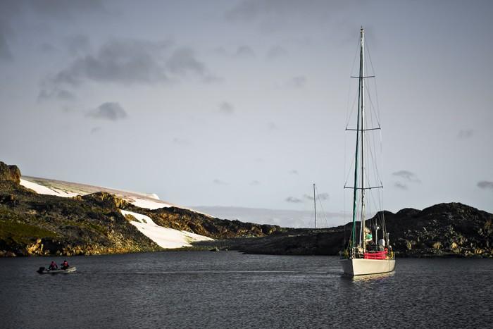 Vinylová Tapeta Yacht v Antarktidě - Severní a jižní pól