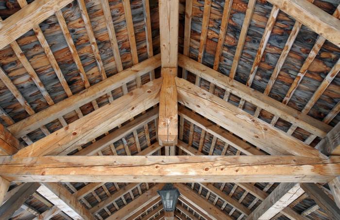 Carta da parati soffitto in legno pixers viviamo per for Carta parati soffitto