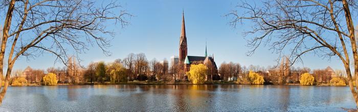 Vinylová Tapeta Kirche St. Gertrud v Hamburku - Památky
