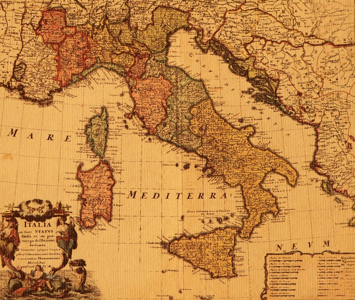 Antique map of italy wall mural pixers we live to change for Antique map mural