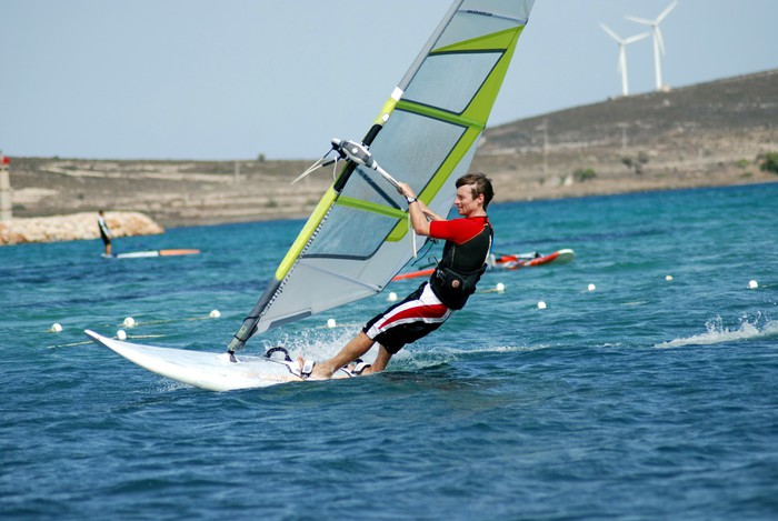 Vinylová Tapeta Windsurfing na cestách - Vodní sporty