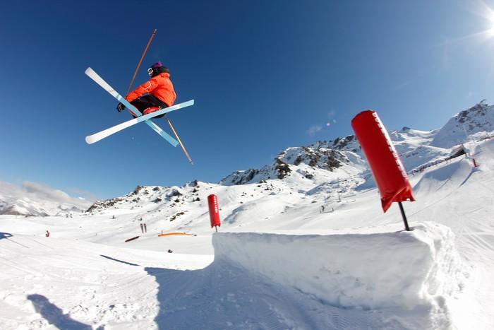 Vinylová Tapeta Freestyle, postava phil drapák - lyžařské croisées - Zimní sporty