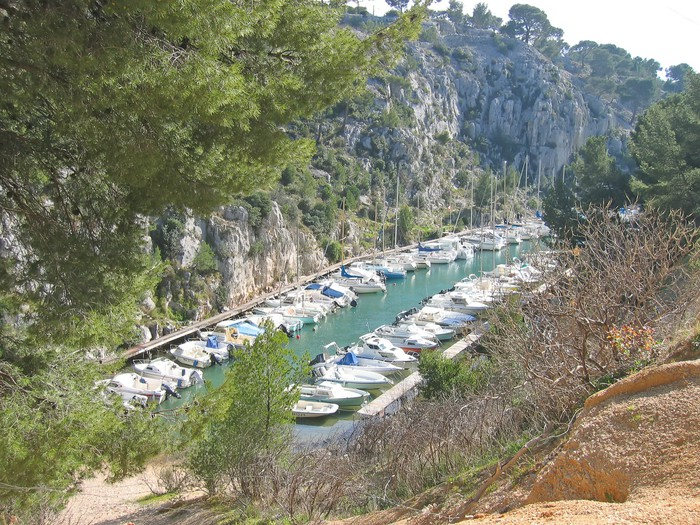 papier peint port de plaisance dans les calanques de france de cassis marseille sud o. Black Bedroom Furniture Sets. Home Design Ideas