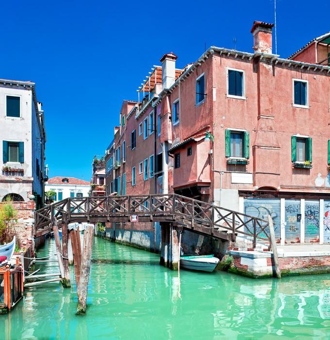 Carta da parati canale colorata di venezia con ponte e le for Carta da parati colorata