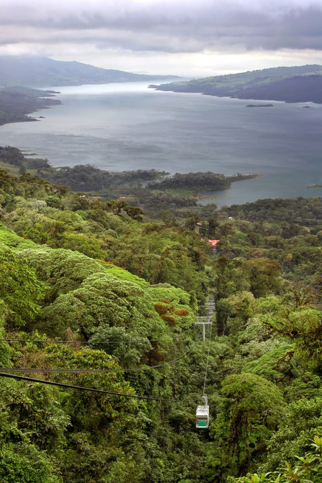 Vinyltapete Regen-Wald Tram über den See Arenal, Costa Rica - Amerika