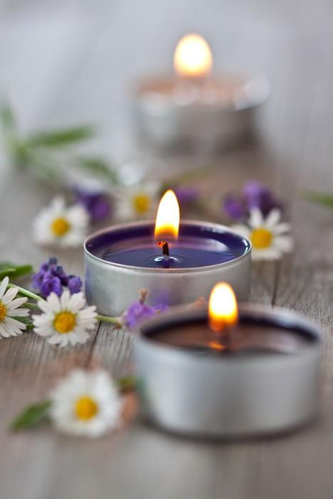 Vinylová Tapeta Daisy a Lavender Vonné svíčky - Životní styl, péče o tělo a krása