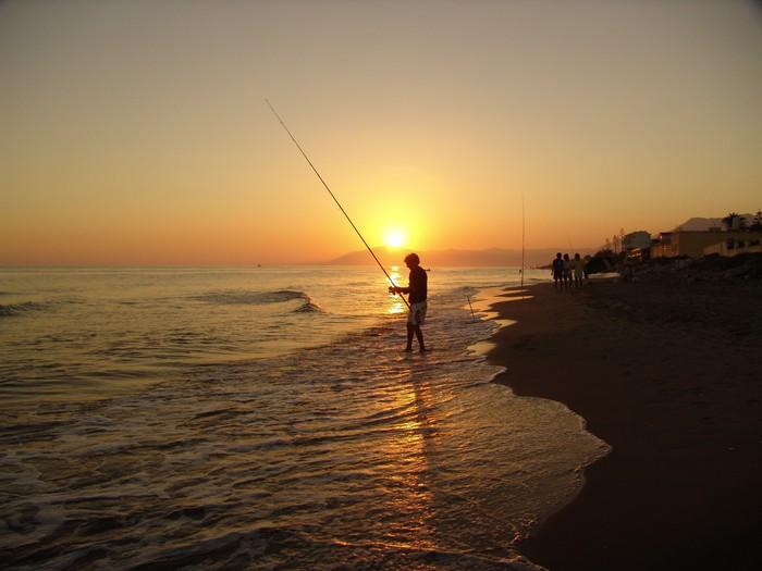 Nálepka Pixerstick Sonnenuntergang mit rybář - Evropa