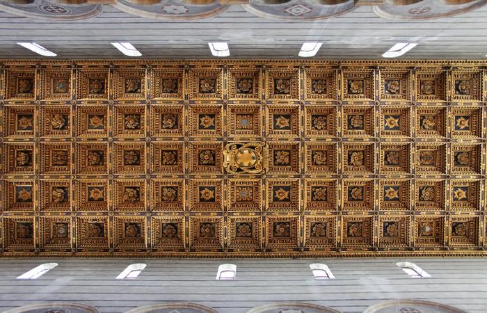 Carta da parati soffitto a cassettoni pixers viviamo for Carta da parati per soffitto