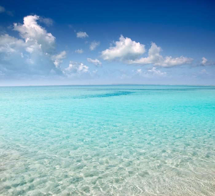 смешную на каком курорте белый песок и изумрудная вода любом