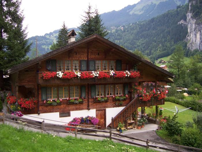 Vinylová Tapeta Švýcarský dům - Evropa