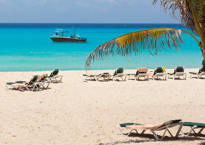 Vinylová Tapeta Idylické pláži u Karibského moře v Mexiku - Prázdniny