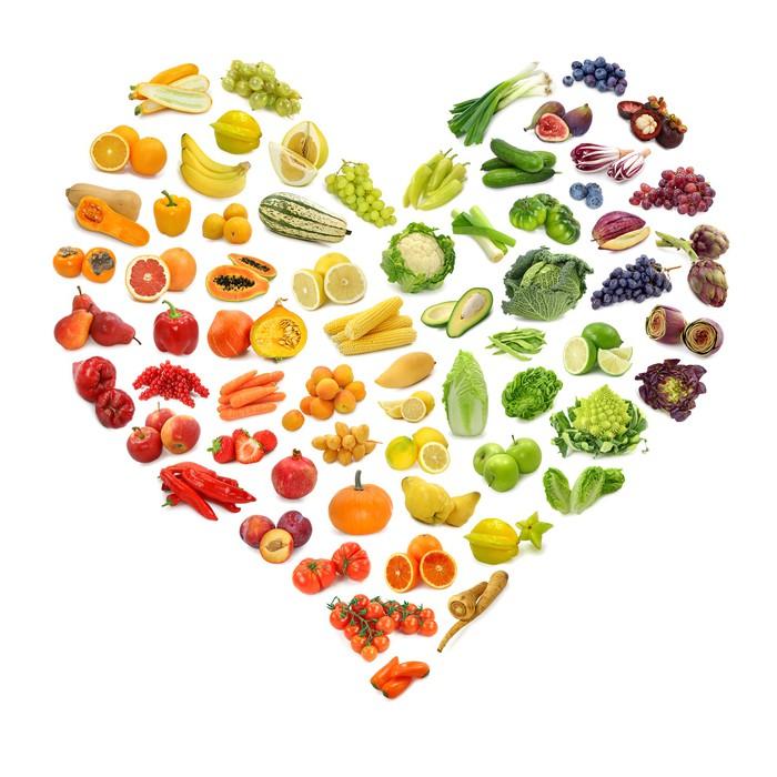 Veggklistremerke Rainbow hjerte av frukt og grønnsaker - Wall decals