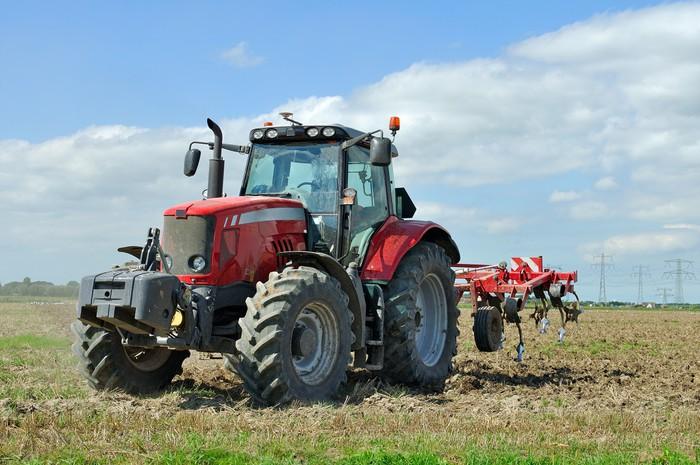 Sticker tracteur agricole sur le terrain pixers nous for Container sur terrain agricole