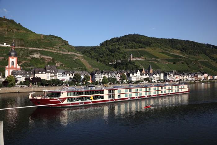Vinylová fototapeta Město Zell u řeky Mosely v Německu - Vinylová fototapeta