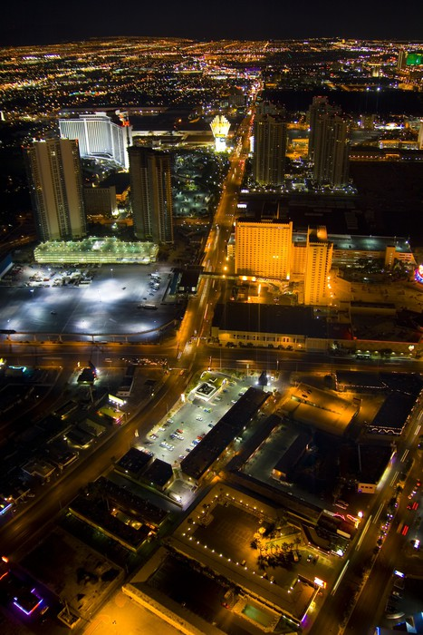 Las Vegas Nevada at night in USA Wall Mural Pixers We live to