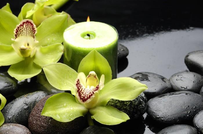Vinylová Tapeta Hořící svíčku a zen kameny s žluté orchideje - Styly