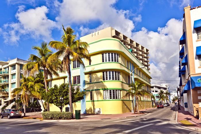 Art Deco Stijl : Mooie huizen in art deco stijl in zuid miami redactionele stock