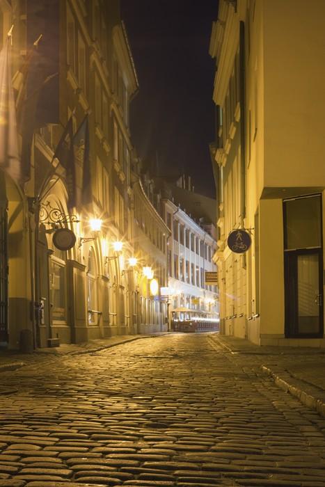Vinylová Tapeta Úzké ulice v Rize v noci, Lotyšsko - Evropa
