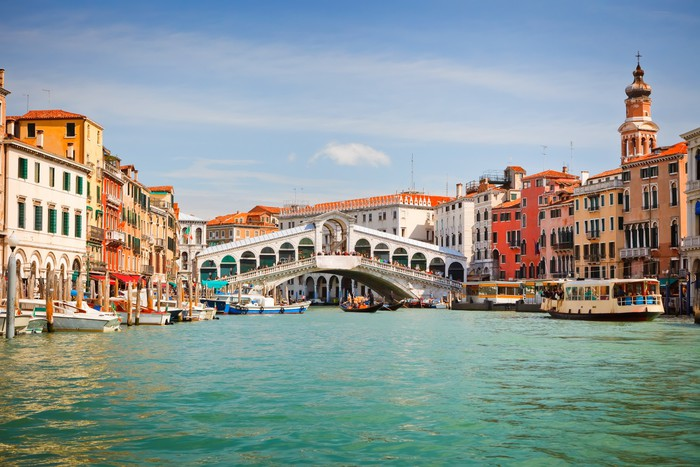 Vinylová Tapeta Most Ponte di Rialto přes Canal Grande v Benátkách - Témata