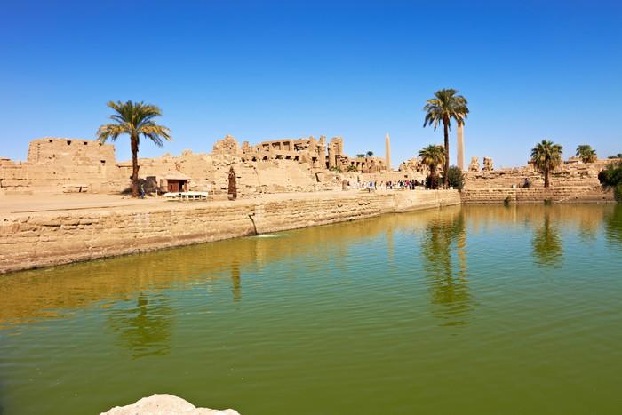 Papier Peint à Motifs Vinyle Lac sacré dans le temple de Karnak, en Égypte - Afrique
