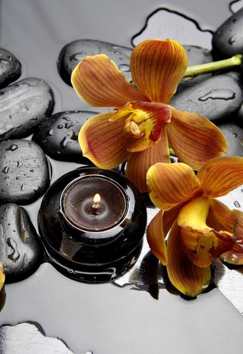Vinylová Tapeta Hořící svíčku a zen kameny s oranžovou orchidej - Témata