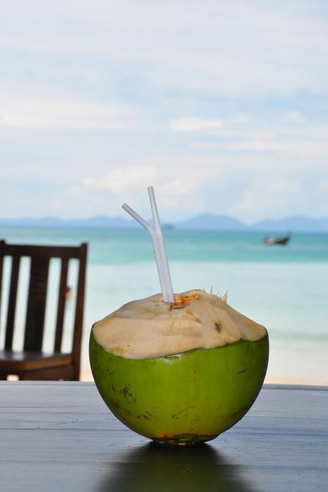 fototapete frische kokosnuss trinken pixers wir leben um zu ver ndern. Black Bedroom Furniture Sets. Home Design Ideas