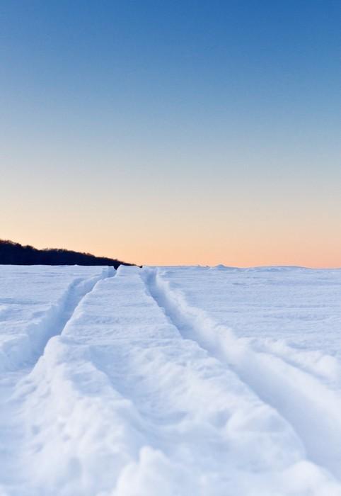 Vinylová fototapeta Stopy ve sněhu - Vinylová fototapeta