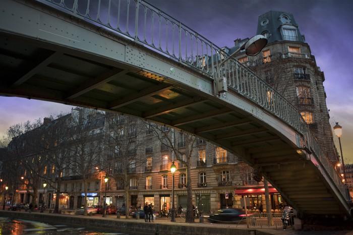 Passerelle au canal st martin - Paris - France