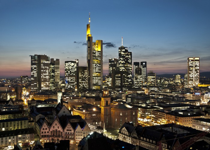fototapete skyline frankfurt pixers wir leben um zu. Black Bedroom Furniture Sets. Home Design Ideas