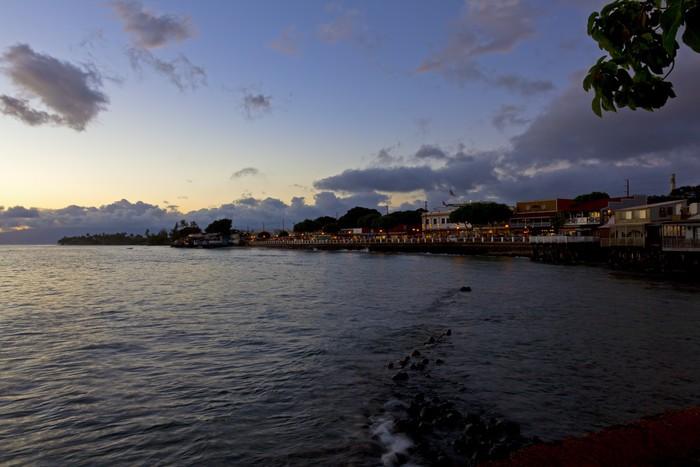 Vinylová Tapeta Město Lahaina, Maui svítí za soumraku - Amerika