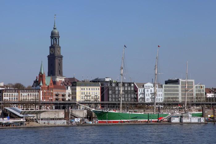 Vinylová Tapeta Přístav Hamburk na mola - Evropa