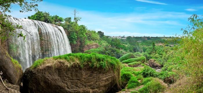 Vinylová Tapeta Krásný vodopád v Dalat, Vietnam. panoramatický výhled - Asie